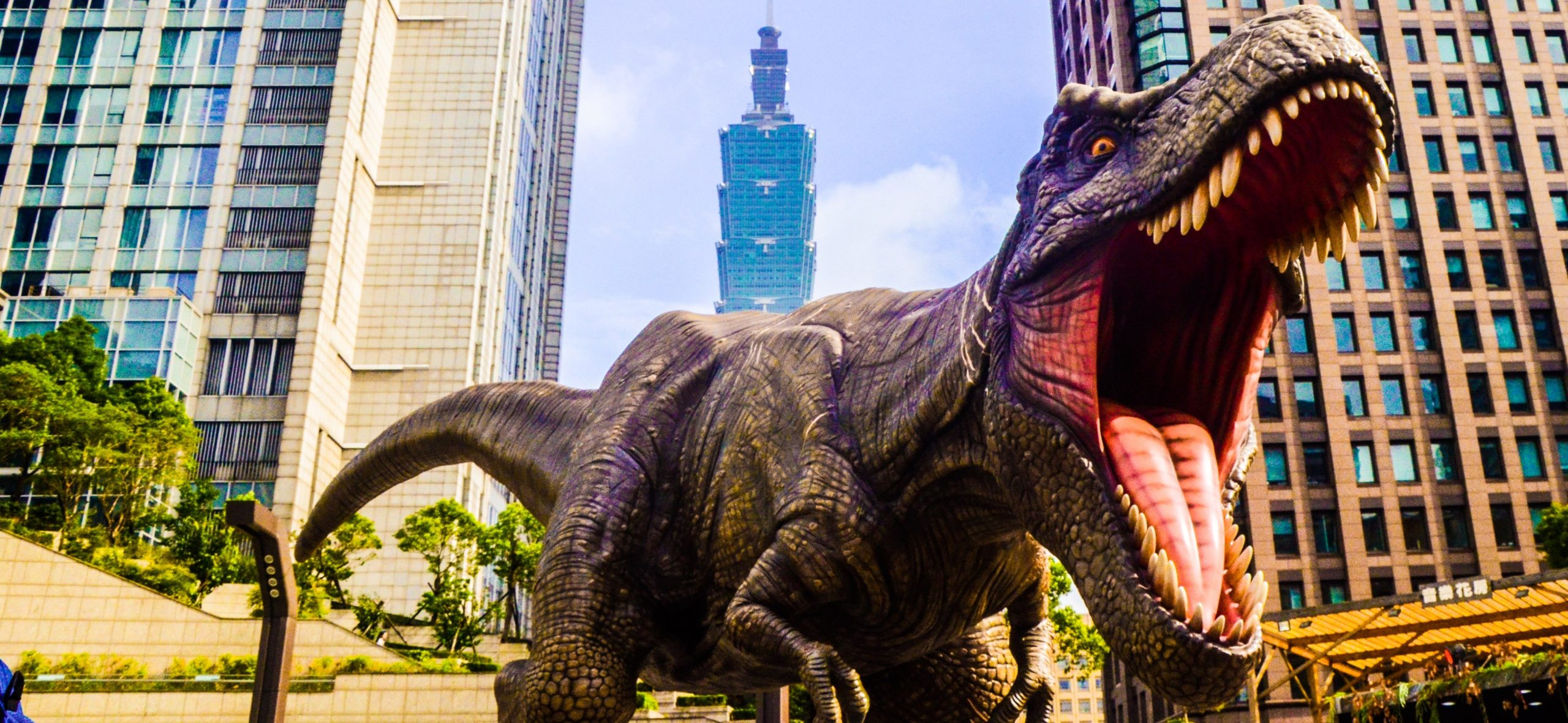 Augmented Reality – From Dinosaurs to Galaxies